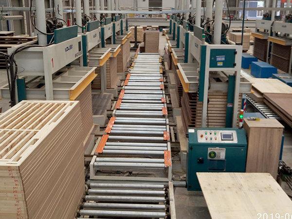 门板自动压机生产线