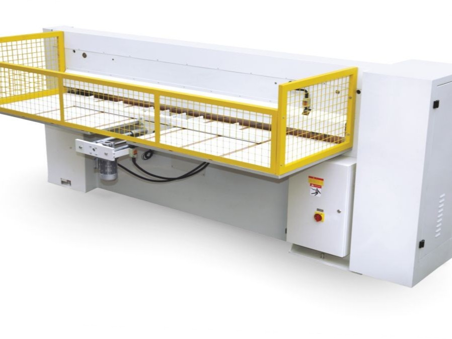单板剪裁机 MQS2026B(数控)